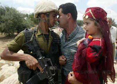 israelsoldierthreatens
